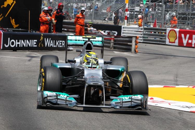 Nico Rosberg holt im Titelkampf auf