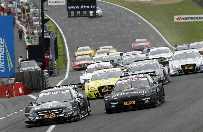 Start des DTM Rennen in Brands Hatch