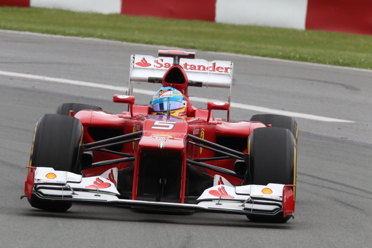 Der spanische Ferrari Fahrer ist bisher zufrieden