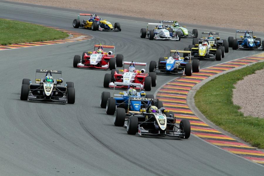 Start zum 3. Lauf der ATS F3 Cup auf dem Sachsenring