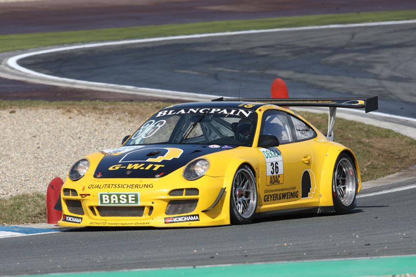Der Porsche 911 GT3 R von Schütz Motorsport