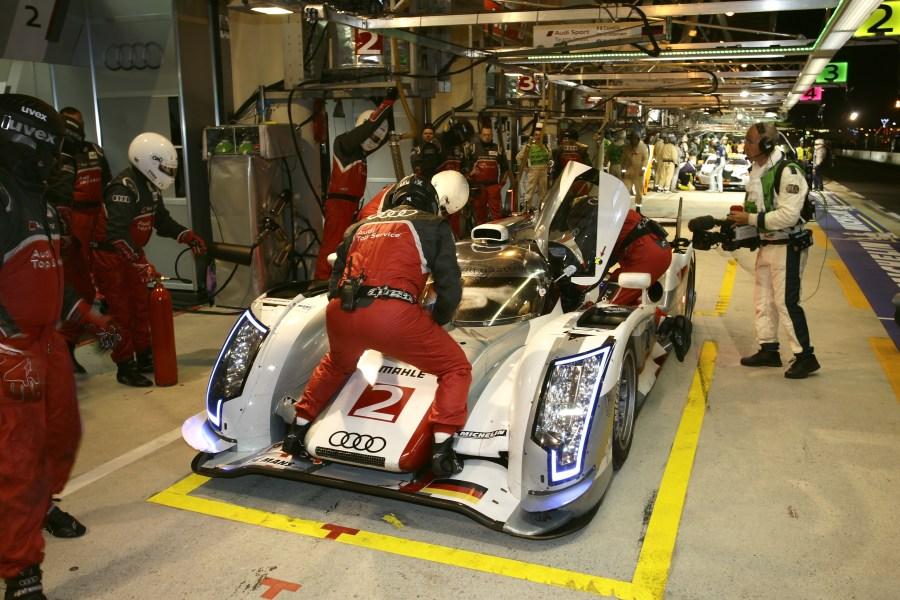 2011 kam der siegreiche Audi mit 9 Pneu-Sätzen von Michelin aus