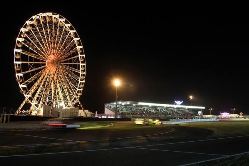 Kombinierter Einsatz in Le Mans mit Werksteam Aston Martin Racing