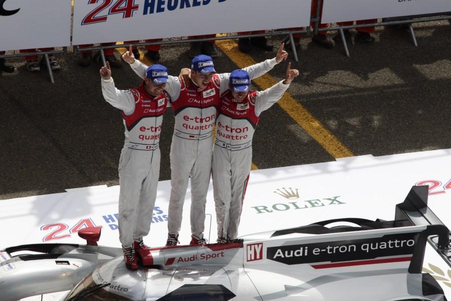 1. Sieg eines Hybrid-Autos durch den Audi R18 e-tron quattro