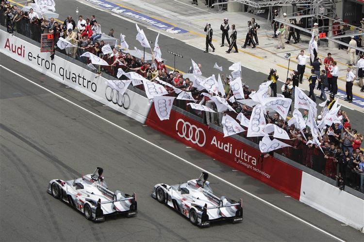 Doppelerfolg für die neue Generation Audi R18