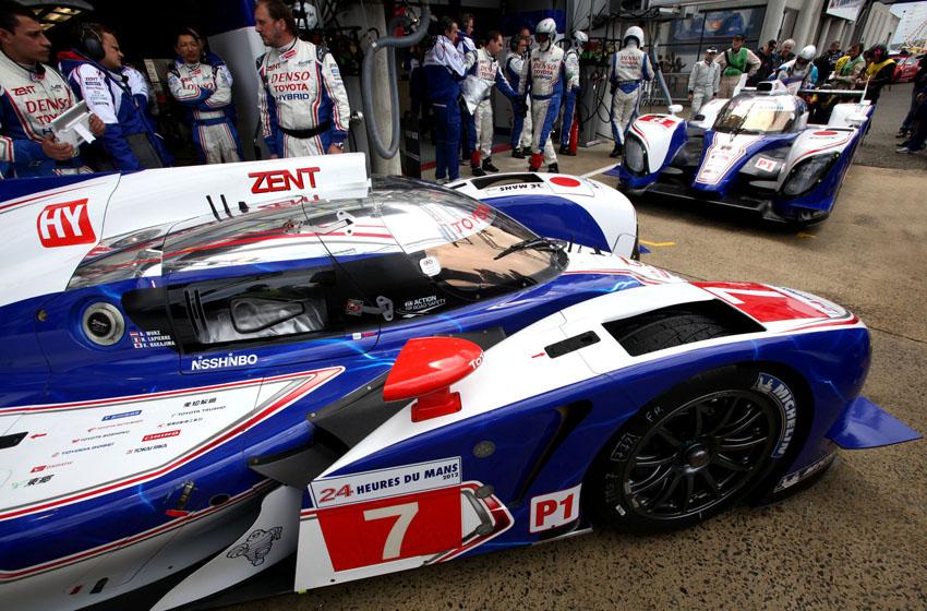 Nicht genug des Pechs musste auch der Toyota #7 das Rennen beenden