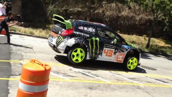 600 PS starker Ford Fiesta H.F.H.V des Monster World Rally Team
