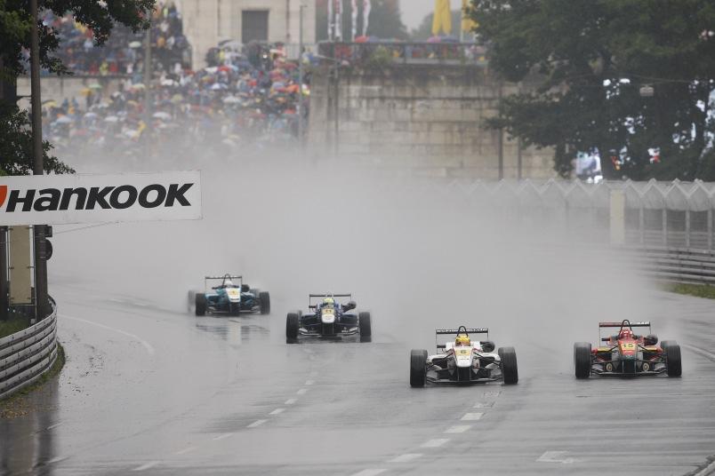 Start des Formel 3 Regen-Rennen auf dem Norisring