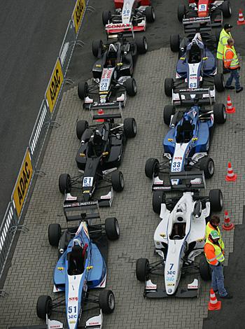 Am Wochenende steht der F3-Cup im Mittelpunkt in der Motorsport Arena