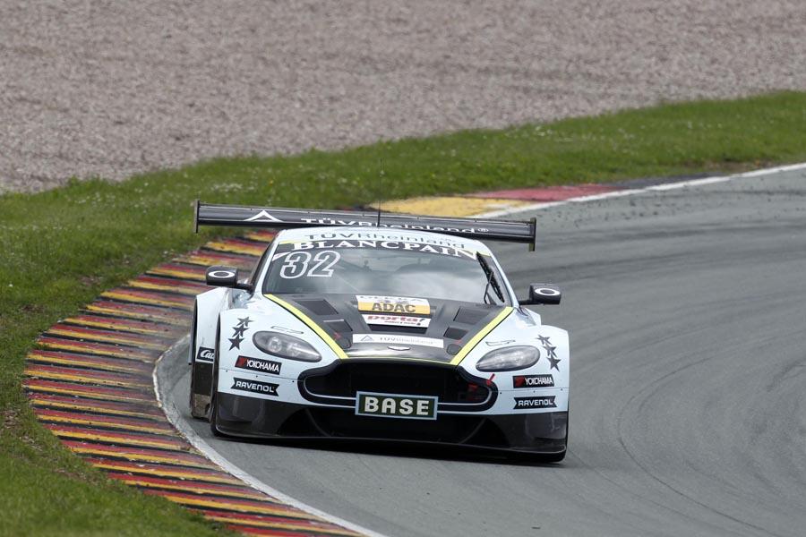Der Aston Martin V12 Vantage GT3 von Ferdinand und Johannes Stuck