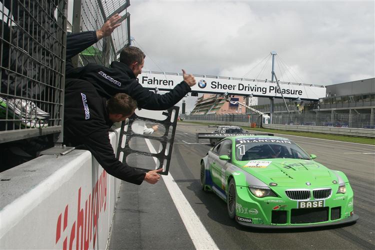 Der BMW Alpina bei der Zieldurchfahrt