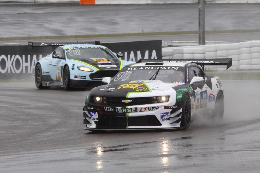 Auf dem Nürburgring durfte der Regen nicht fehlen