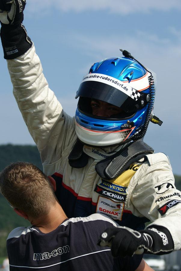 Rudersdorf führt die Gesamtwertung im Austria F3 Cup an