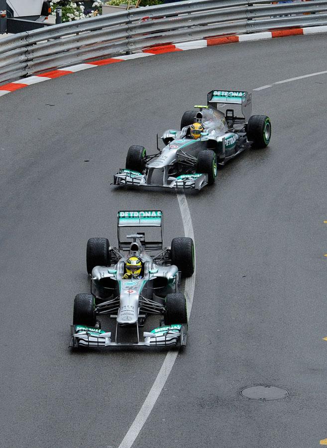 Mercedes hat in Barcelona einen Geheimtest mit Pirelli Reifen absolviert