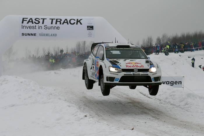 Volkswagen Piloten dominieren den ersten Tag der Rallye Schweden!
