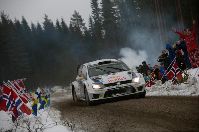 3,6 Sekunden trennen Jari-Matti Latvala und Andreas Mikkelsen an der Spitze