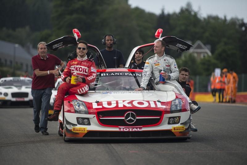 Für Xavier Maassen und seine Teamkollegen Dusseldorp und Afanasiev war das Rennen 3 Stunden vorbei