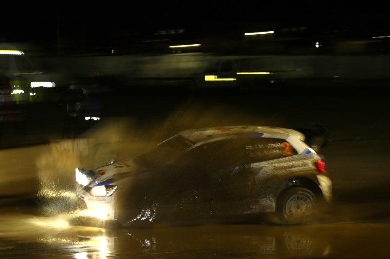 Sechs von acht möglichen Bestzeiten gehen an Polo R WRC