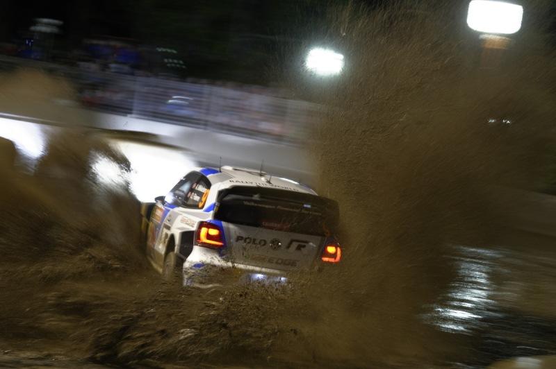 Team-interner Führungswechsel bei Rallye Australien: Champ Ogier vor Latvala