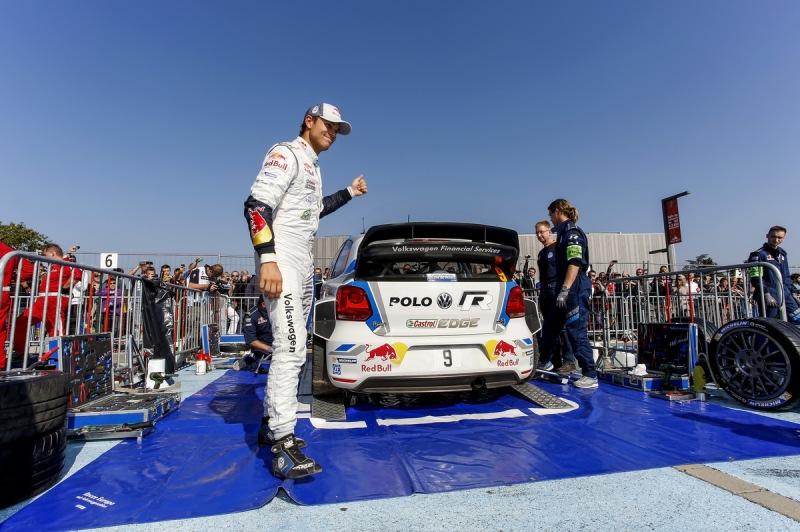 Latvala und Mikkelsen bauen ihre Doppelführung bei der Rallye Frankreich aus
