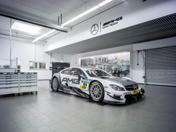 Die Kooperation zwischen Mercedes-AMG und MV Agusta wird nun auch auf der Rennstrecke sichtbar