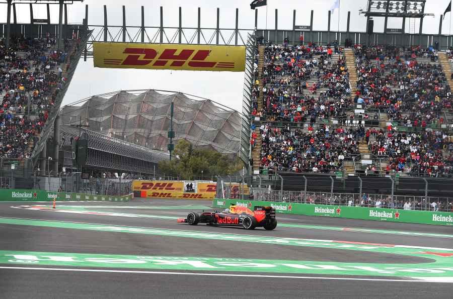 21:20 Uhr Schnellste Rennrunde von Daniel Ricciardo in Runde 53/71 mit 1:22.252sek
