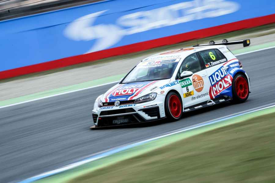 ADAC TCR Germany: LIQUI MOLY Team Engstler auch 2017 dabei