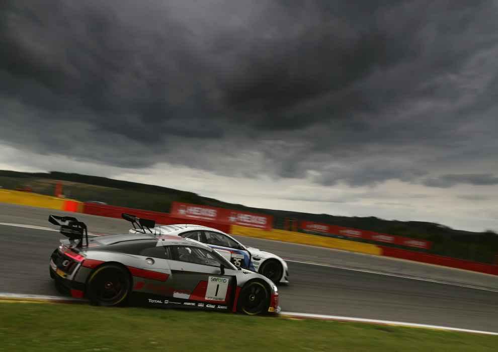 Drei Audi R8 LMS in den ersten fünf Startreihen