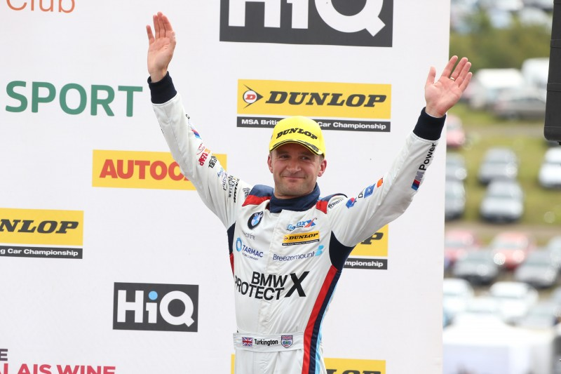 Turkington in der BTCC am Podium