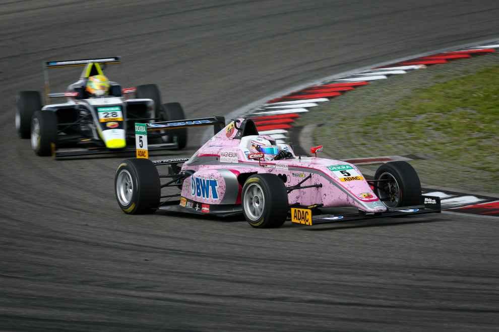 Am Nürburgring feierte Lirim Zendeli seinen zweiten Saisonsieg