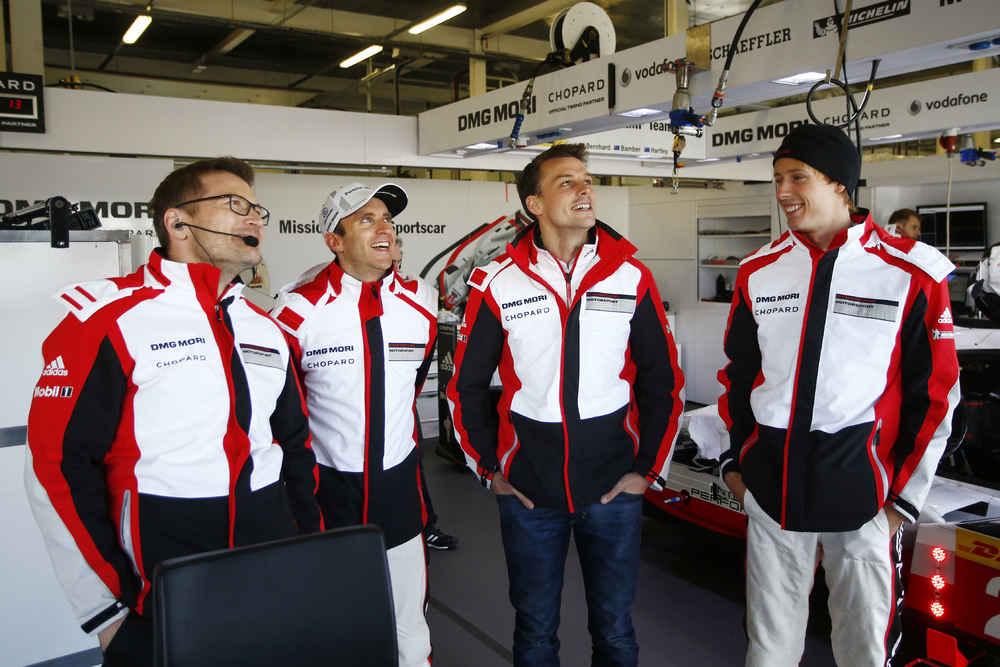 Andreas Seidl, Teamchef Porsche LMP Team, Timo Bernhard, Earl Bamber, Brendon Hartley (l-r)