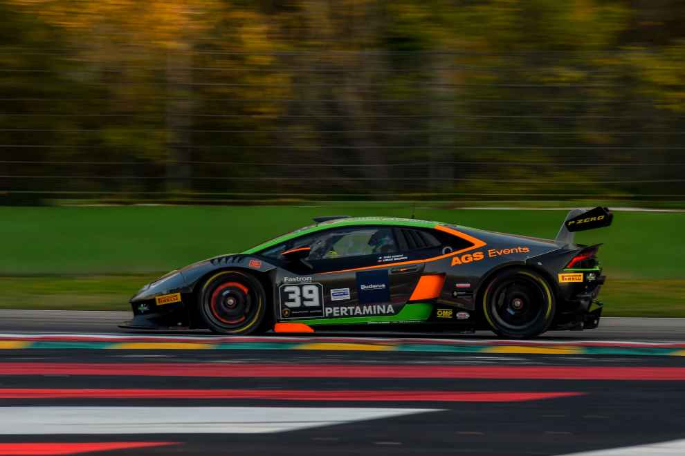 Lucas Mauron siegt beim Lamborghini World Final