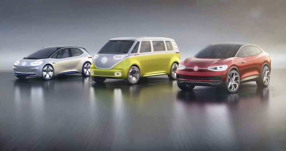 Volkswagen I.D., I.D. Buzz und I.D. Crozz (von links).