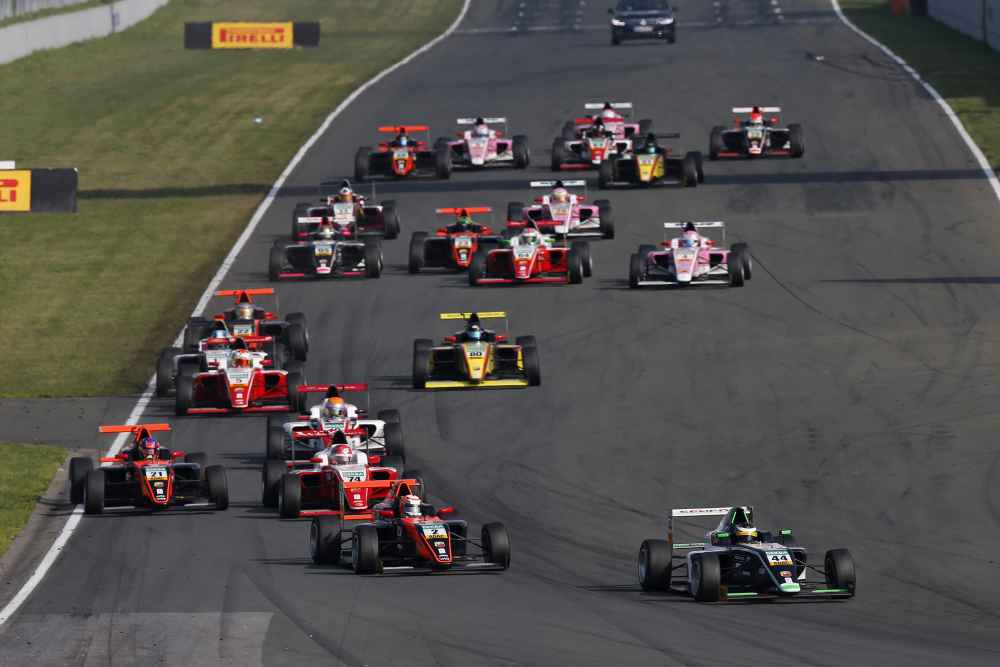 Die Titeljagd hat begonnen: Die vierte Saison der ADAC Formel 4