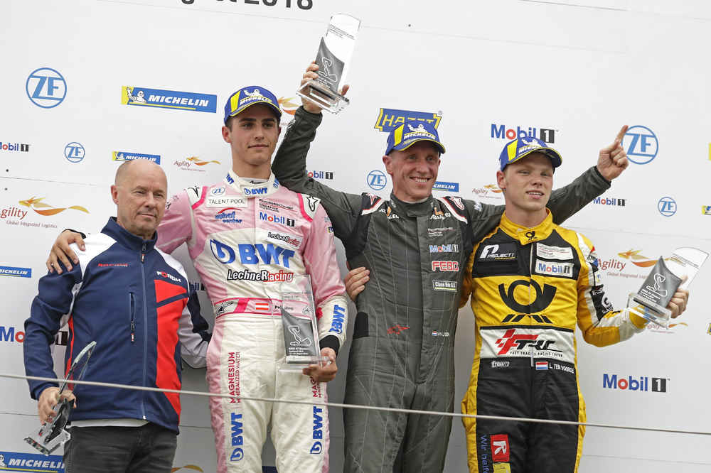 Podium: Sigi Müller, Thomas Preining, Jaap van Lagen, Larry ten Voorde
