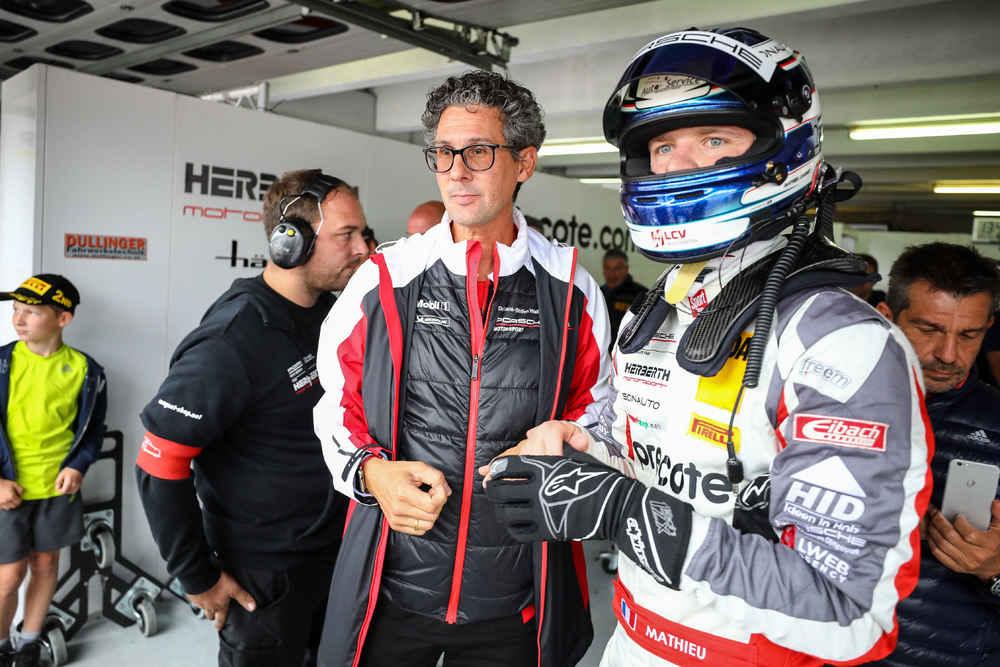 Dr. Frank-Steffen Walliser (Leiter Motorsport und GT-Fahrzeuge), Mathieu Jaminet (F)