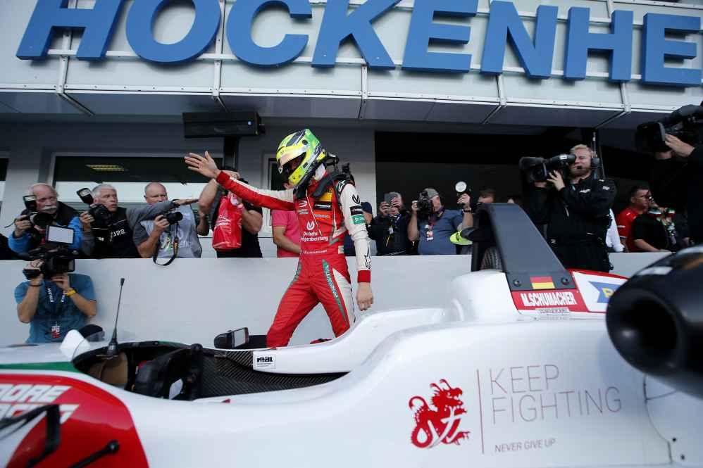 Mick erzielte 7 Pole Positions, 8 Siege und 13 Podestplätze