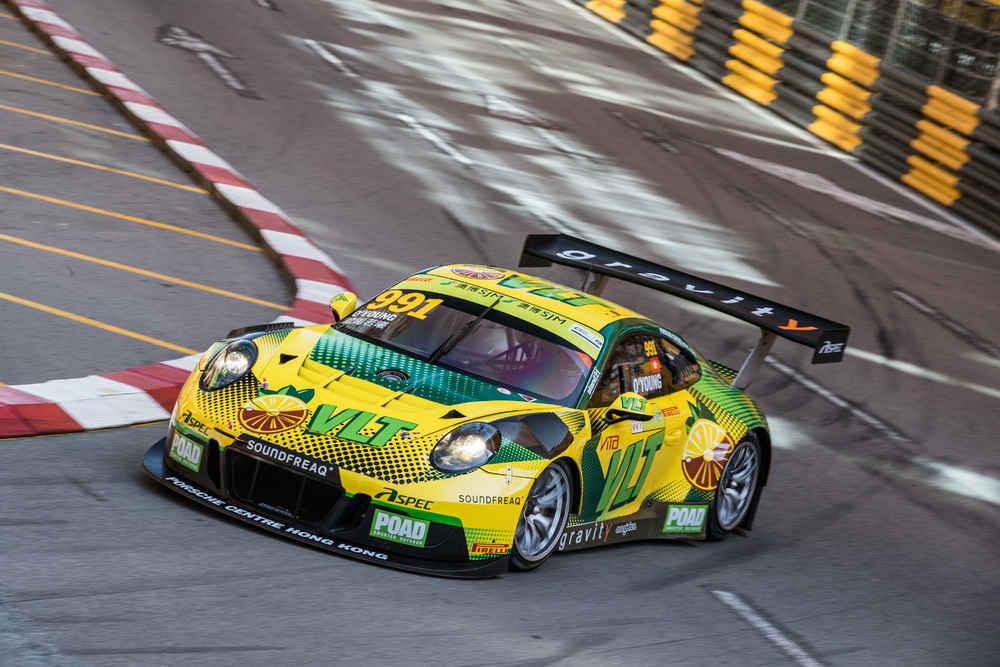 Porsche 911 GT3 R, Craft Bamboo Racing (55), Darryl O′Young (HKG)