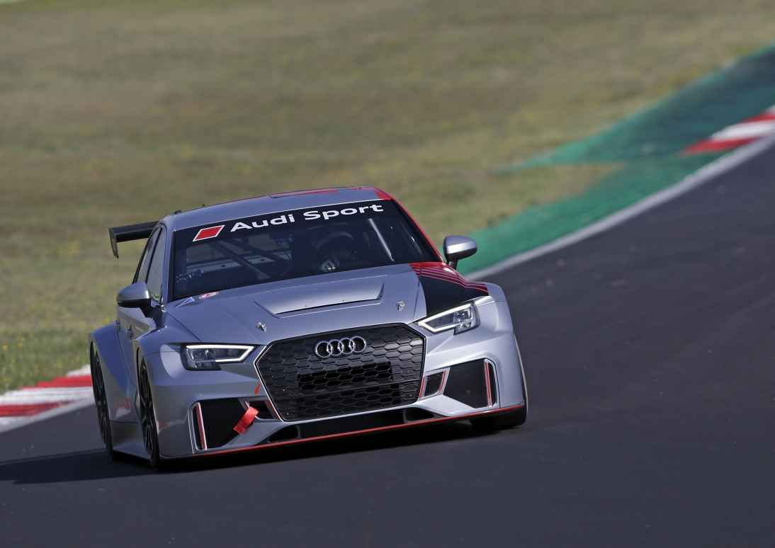 Audi mit vier RS 3 LMS in FIA WTCR 2019