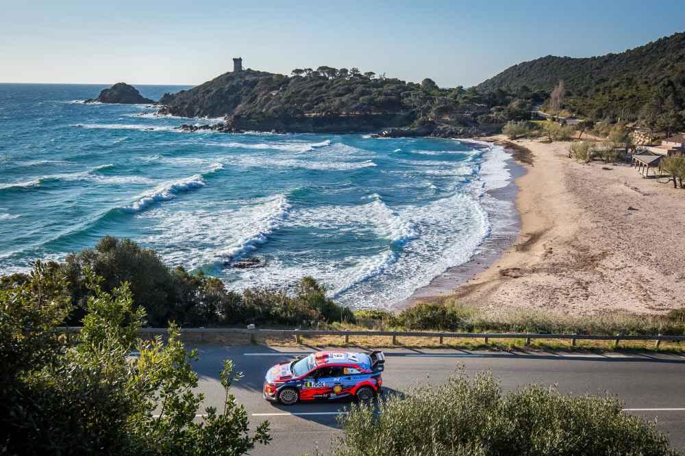 Dani Sordo im Hyundai i20 Coupe WRC auf Platz vier