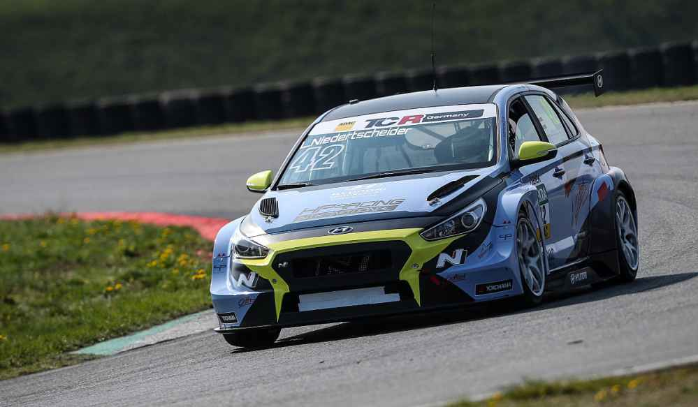 ADAC TCR Germany: Hyundai dominiert Testauftakt in Oschersleben