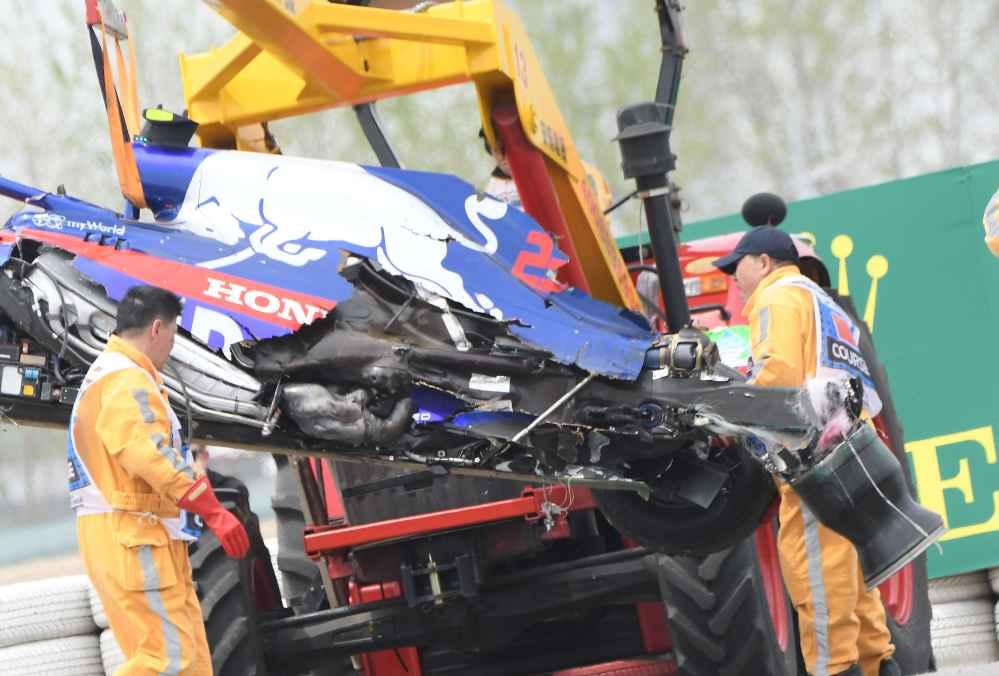 Albon zerstört seinen F1 Boliden im dritten freien Training