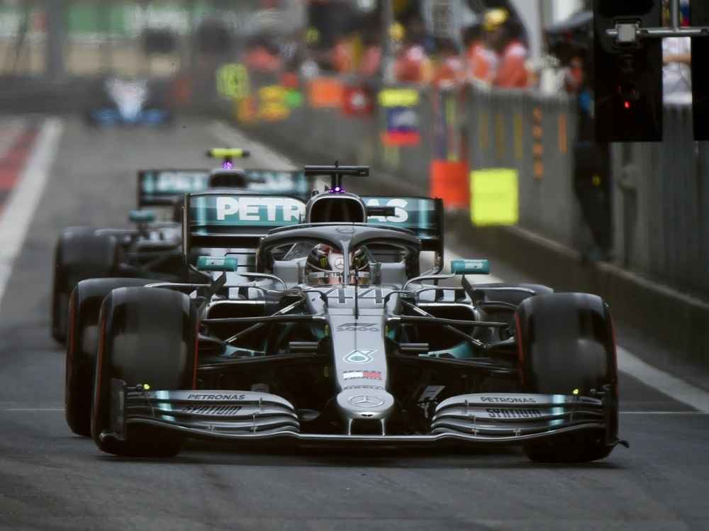 Formel 1 GP China Liveticker: Hamilton gewinnt den Start in Shanghai