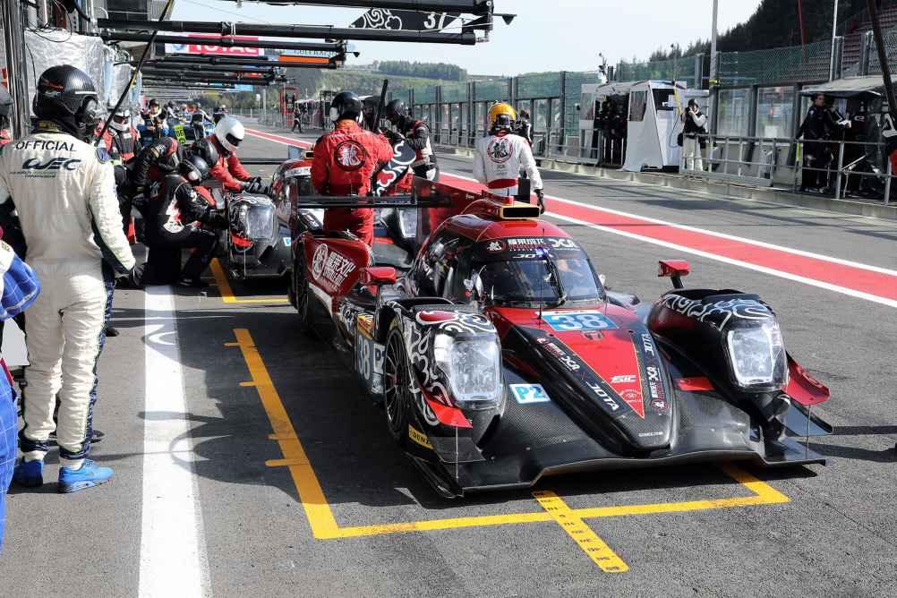 Jackie Chan Racing liegt in der LMP2 Klasse auf Platz eins und drei