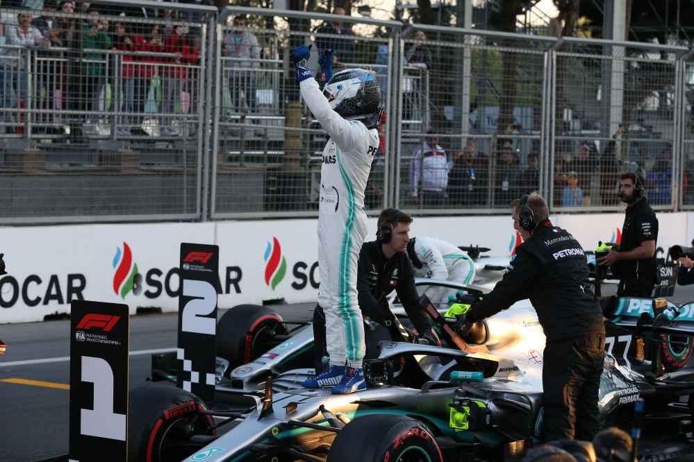Bottas holt die Pole in Baku