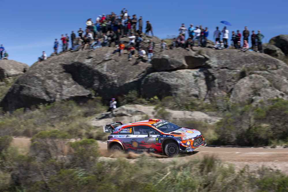Dani Sordo im dritten Hyundai i20 Coupe WRC auf Platz sechs