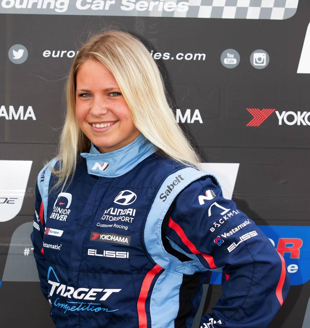 Bäckman pilotiert in Most das VIP-Auto vom Hyundai Team Engstler