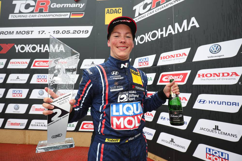 ADAC TCR Germany: Hyundai Team Engstler feiert Podiumserfolg in Most