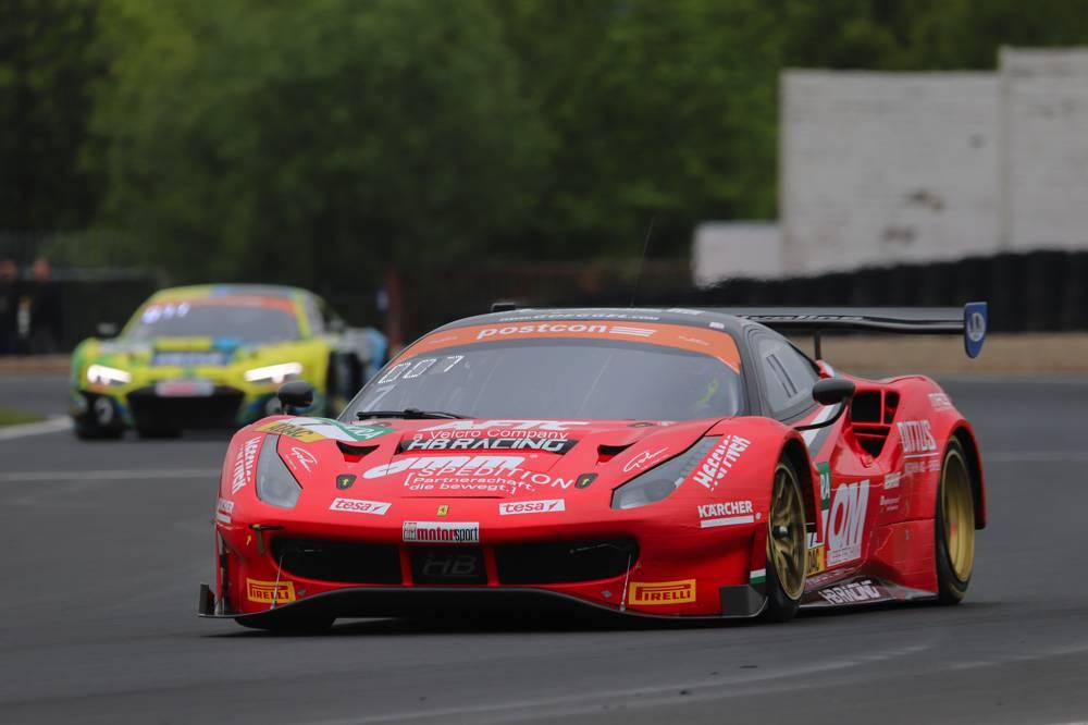Die österreichische Mannschaft HB Racing setzt den einzigen Ferrari im Feld ein