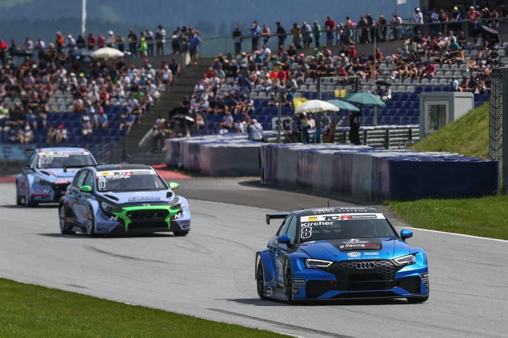 Bester Junior und als Dritter auf dem Podium: René Kircher im Audi